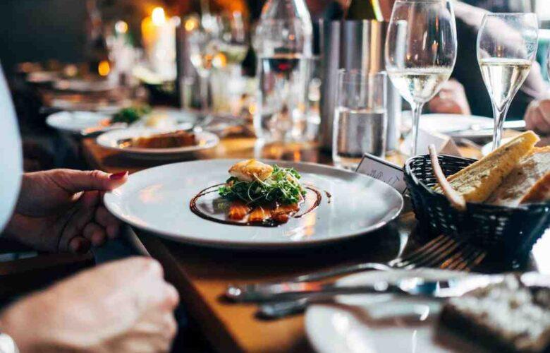 Comment faire sa demande en mariage au restaurant