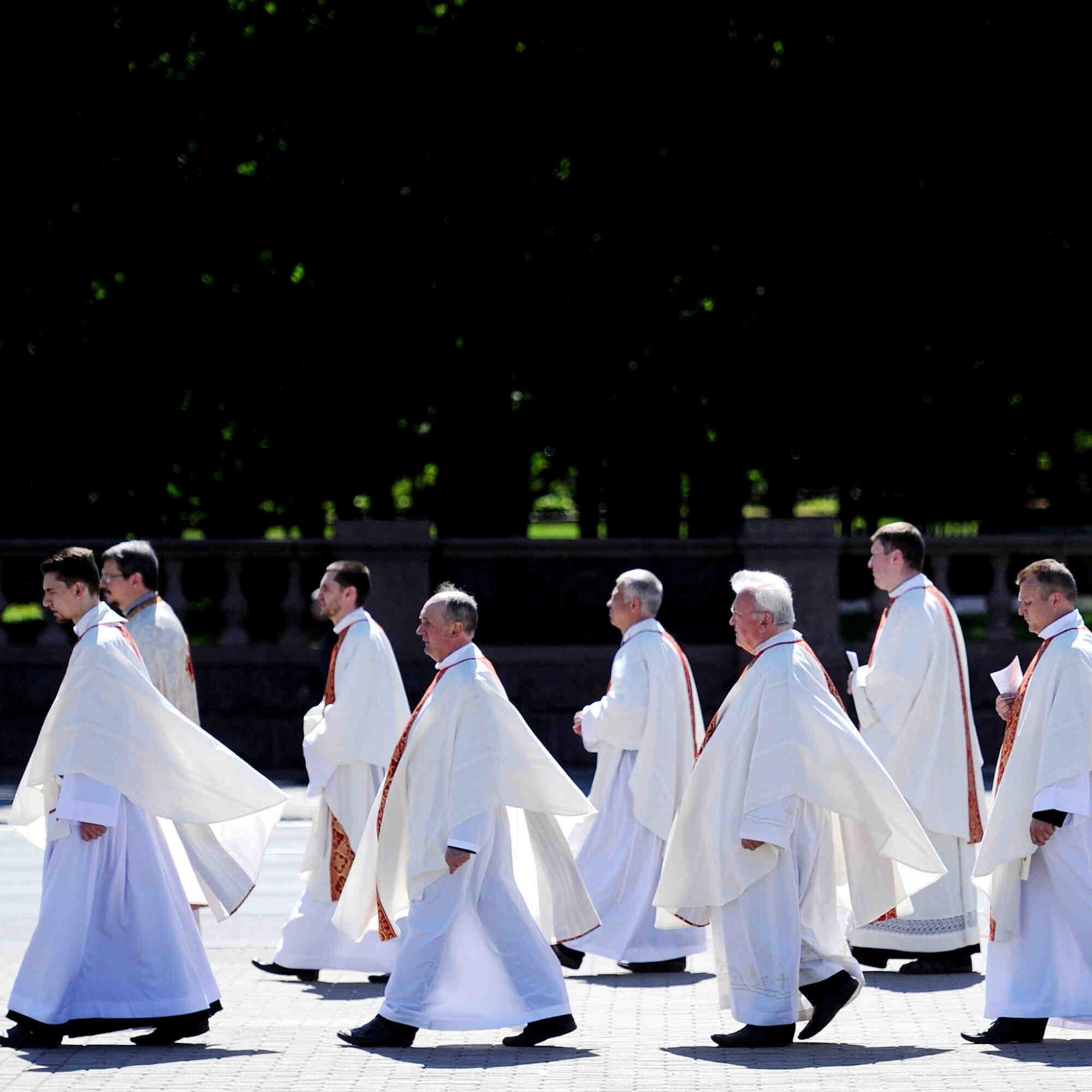 Quels sont les vœux des prêtres ?